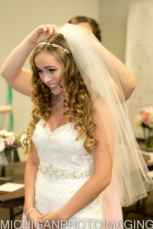 Northville Bride Getting Ready